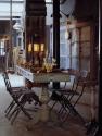 sfeerfoto in atelier anouk beerents, tafel met kaarsen