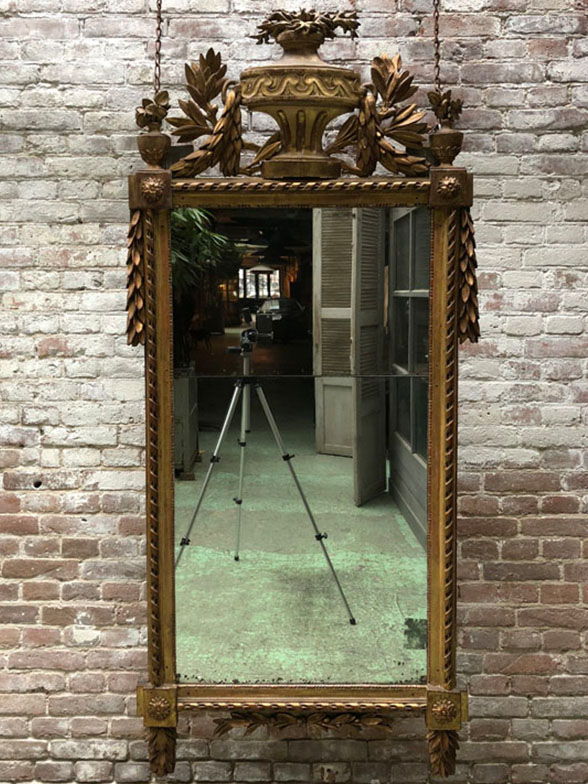 antieke spiegels 18e eeuw louis xvi. Black Bedroom Furniture Sets. Home Design Ideas
