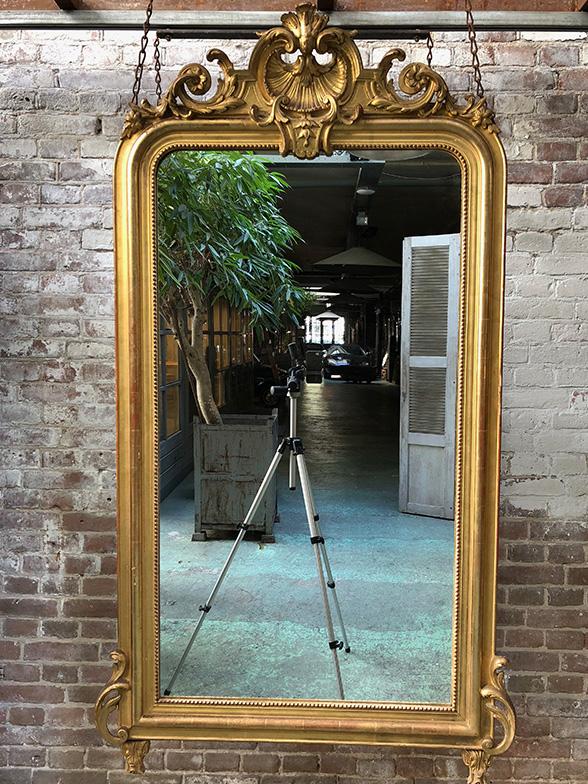 antieke spiegels 19e eeuw louis philippe met kuif. Black Bedroom Furniture Sets. Home Design Ideas
